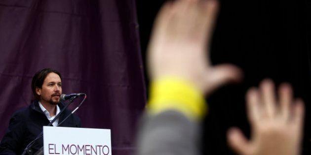 Pablo Iglesias tiende la mano a Tania Sánchez tras su salida de