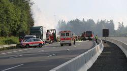 La Policía teme hasta 17 muertos tras el choque de un autobús con un camión en