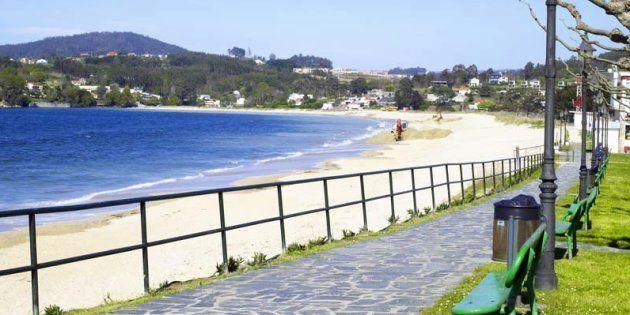 Desalojan una playa de A Coruña por una invasión de