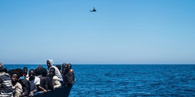 Salvamento Marítimo rescata a 96 personas a bordo de tres pateras en el Mar de Alborán