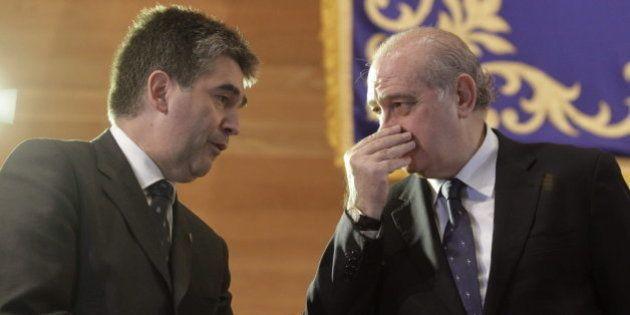 Fernández Díaz condecora con la medalla de oro al mérito policial a Nuestra Señora del