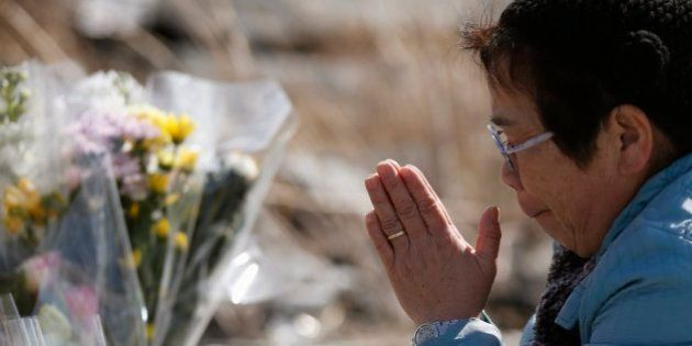 Japón recuerda en silencio a las 18.000 víctimas del tsunami y el terremoto de hace tres