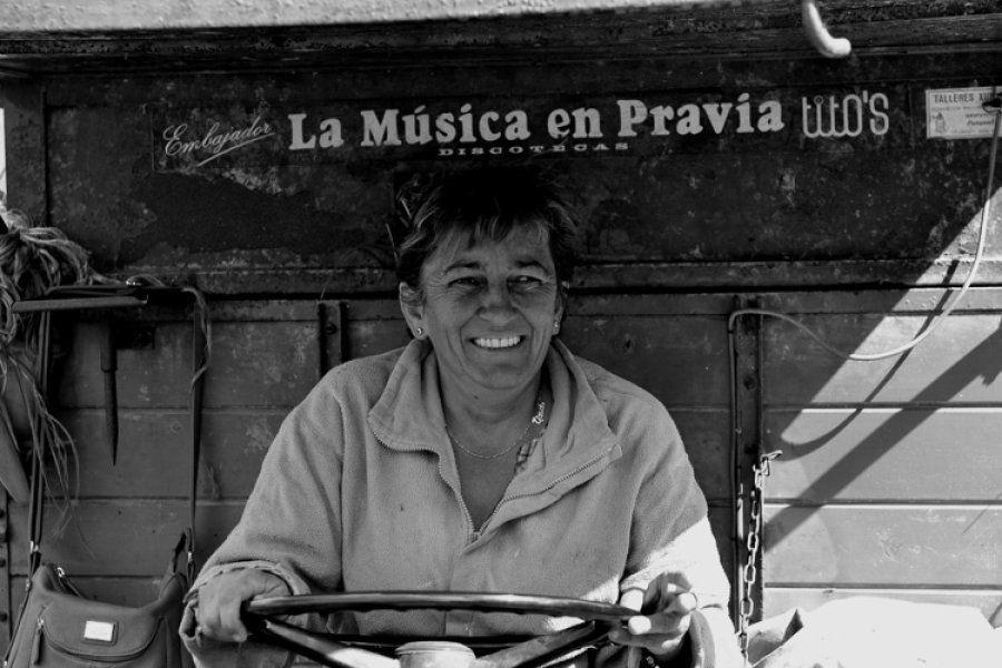 Premio FADEMUR: Esperanza Labrador Rodríguez. Tina y su tractor - Dóriga