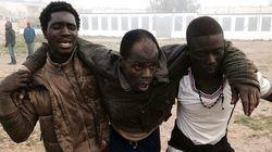 Cerca de 500 inmigrantes entran en Melilla en un asalto masivo a la
