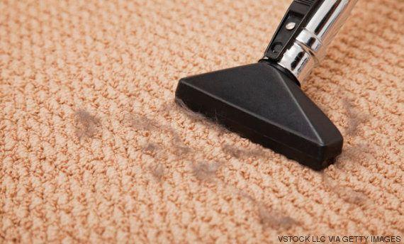 ¿Qué hay debajo de la alfombra? Guía para limpiarla a
