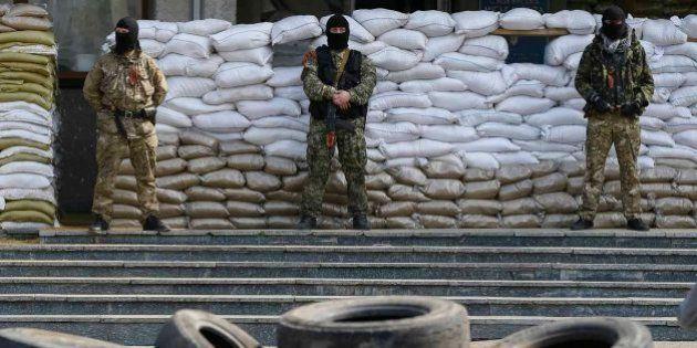 Los separatistas prorrusos del este de Ucrania continúan la ocupación de edificios