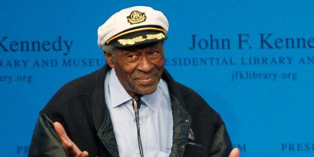 Chuck Berry recibiendo un premio en febrero de