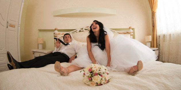 21 parejas cuentan cómo es en realidad la noche de bodas | el