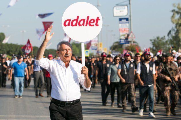 El líder de la oposición turca, Kemal