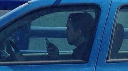 ¿Pablo Iglesias 'cazado' mientras conduce y habla por el móvil?