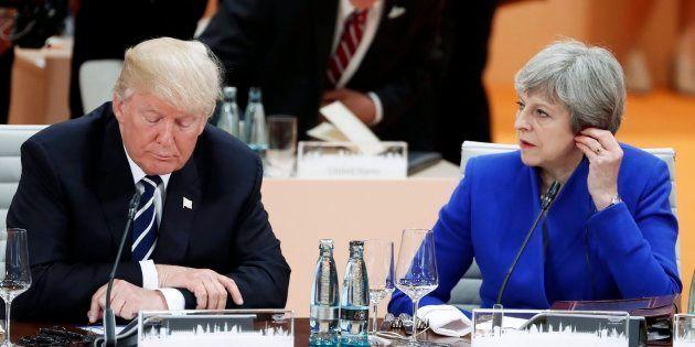 El presidente estadounidense, Donald Trump (i), y la primera ministra británica, Theresa May