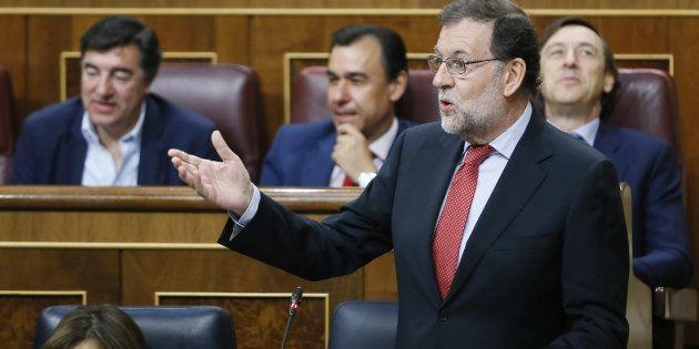 El presidente del Gobierno, Mariano Rajoy, interviene en la sesIón de control al