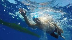 El primer parapléjico en cruzar a nado el canal de