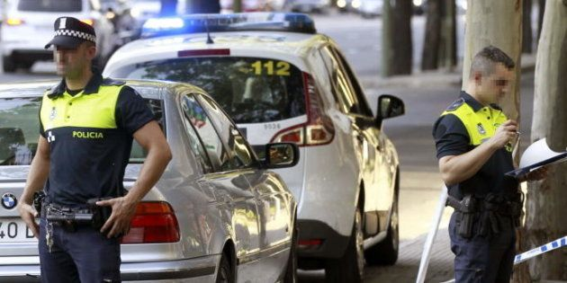 Detenido por dejar encerrada tres horas a su hija de 16 meses en un coche: