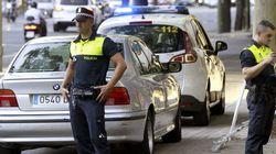 Detenido por dejar encerrada en un coche tres horas a su hija de 16 meses: