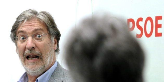Pérez Tapias busca 'in extremis' los cerca de mil avales que le