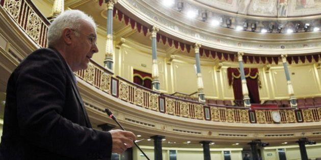 Las tres medidas que Cayo Lara pide a Pedro Sánchez, nuevo líder del