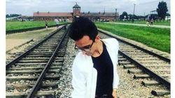 Le llueven críticas por ir a Auschwitz y hacerse fotos