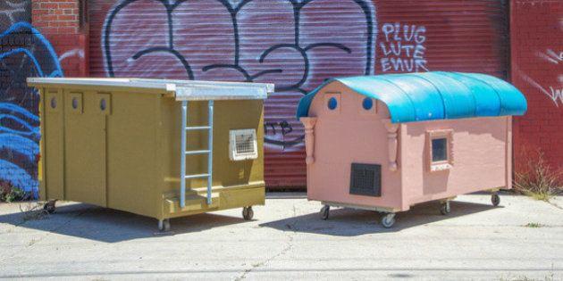 Un artista transforma la basura en casas móviles para personas sin