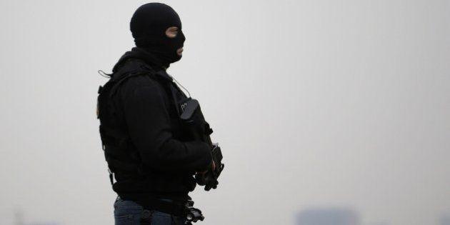 La Policía busca a un segundo terrorista por la explosión en el