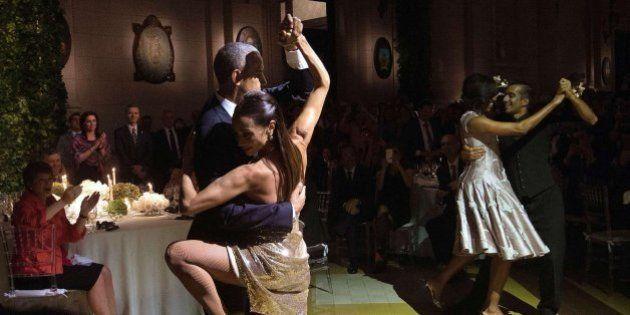 Los Obama se atreven a bailar tango en su visita a Argentina
