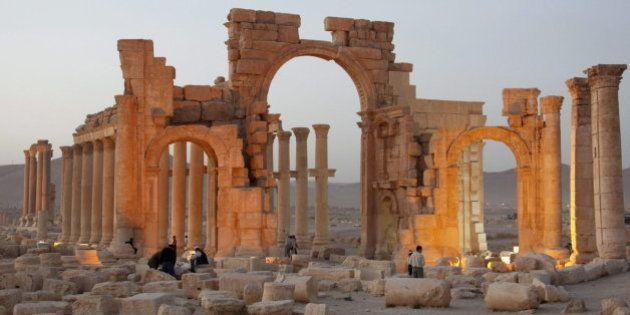 El Estado Islámico destruye el Arco del Triunfo de