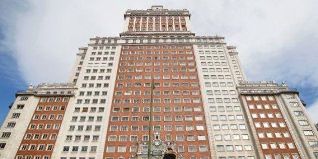 El culebrón del Edificio España acaba dos años después con la salida de