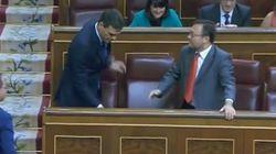 El diputado a quien Sánchez no saludó cuando iba a su escaño le resta