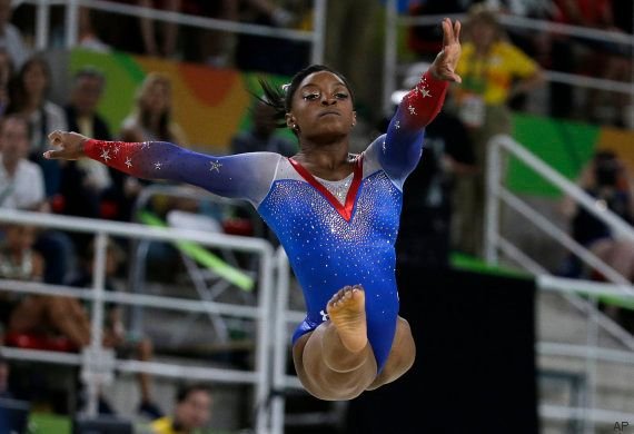 Simone Biles se despide de Río ganado su cuarto oro... y conociendo a su ídolo Zac