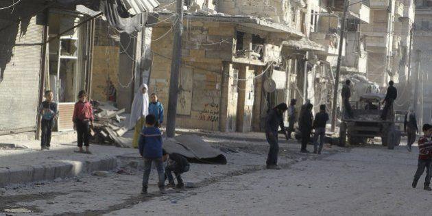 Cruz Roja alerta de que 70.000 personas han escapado ya de la ciudad siria de