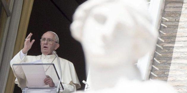 El Papa insta a