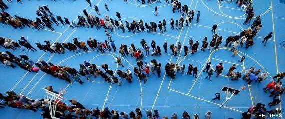 Más de dos millones de catalanes votan en una consulta que gana el 'sí' sin respaldo