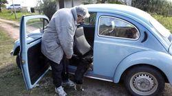 ¿Aceptará Mujica las ofertas millonarias por su escarabajo? Él lo tiene