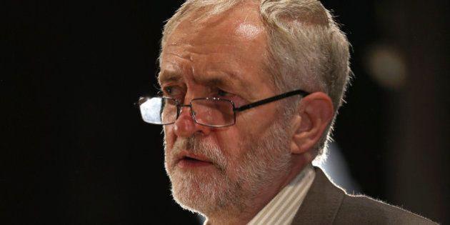 Corbyn no se reunió con Isabel II porque estaba de excursión en