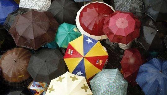 De Hong Kong a Barcelona: los paraguas protestan