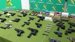 30 detenidos por vender armas de forma clandestina por