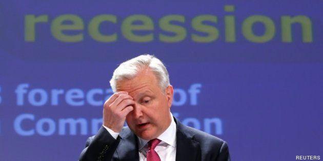 Bruselas amonesta a España por su alto paro y deuda y por primera vez reprende a