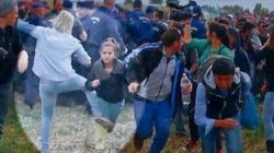Despiden a la reportera húngara que pateó a refugiados cuando