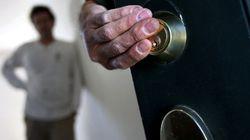 Desahucian a una mujer de 85 años que avaló a su