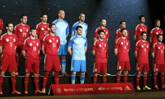 La selección española de fútbol lucirá una equipación 'muy roja' en el Mundial de Brasil