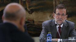 Rajoy se presenta por sorpresa en un acto para apoyar a