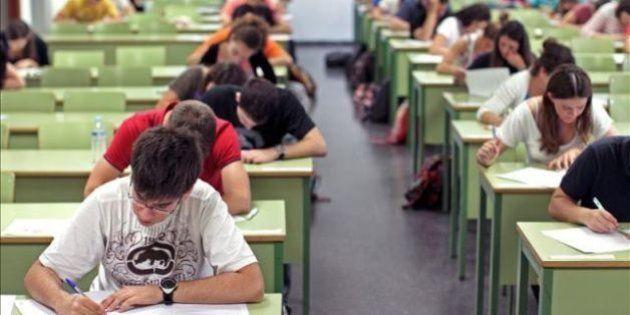 La educación española se estanca en ciencias y matemáticas y mejora en