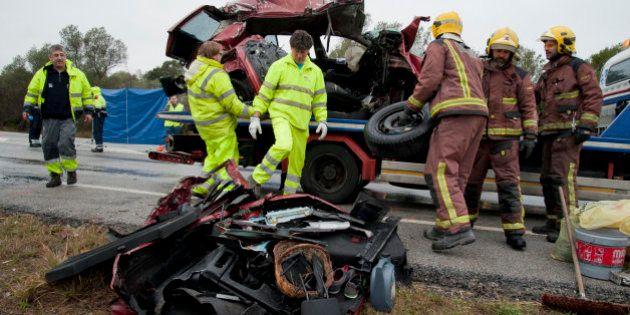 Siete muertos en un choque frontal entre dos turismos en Pont de Molins