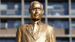 El Gobierno israelí obliga a retirar una escultura crítica con el primer ministro