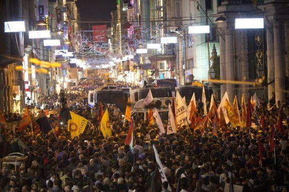 Un atentado contra una marcha pacifista deja 97 muertos en