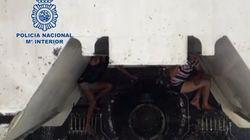 La Policía intercepta en Tarifa a dos inmigrantes ocultos en los bajos de un