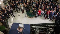 El PP instala un grifo de cerveza en el Congreso para un acto