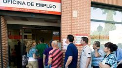 El paro baja en 216.700 personas, hasta una tasa del 20%, y se crean 271.400 empleos en el segundo