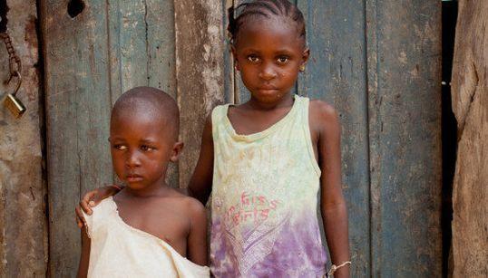 16 retratos conmovedores de supervivientes del ébola en su vuelta a