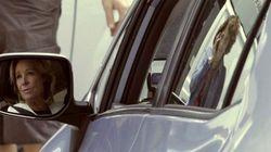 El coche de Aguirre, multado otra vez por aparcar en doble